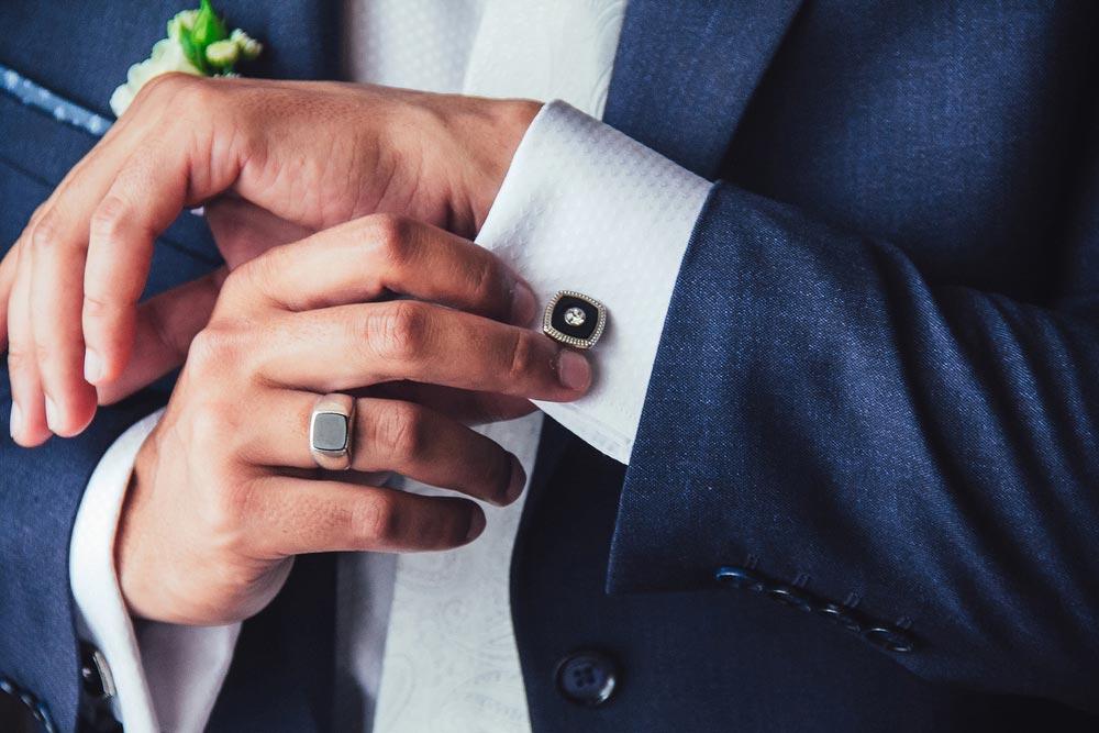 Na którym palcu nosić sygnet męski