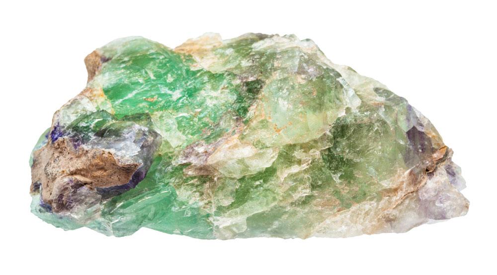 Nieobrobiony kamień Aleksandryt po wydobyciu