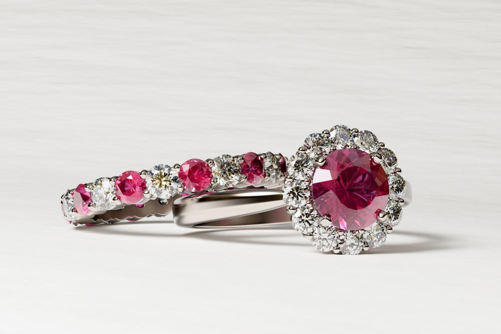 pierścionek z czerwonym oczkiem