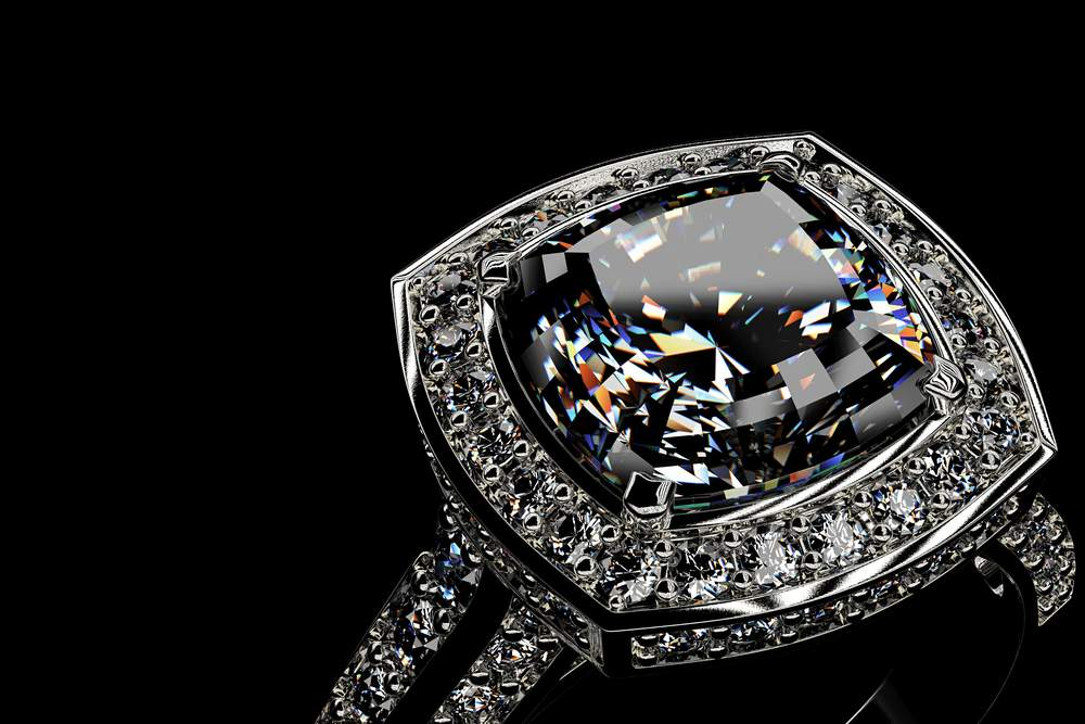Pierścionek z dużym kamieniem - jaki wybrać?