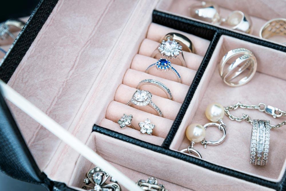 Jak przechowywac biżuterię?